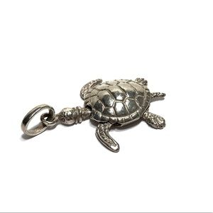 FINE 980 SILVER ARTICULATED TURTLE CHARM PENDANT